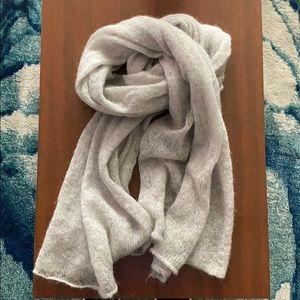 H&M fuzzy grey scarf